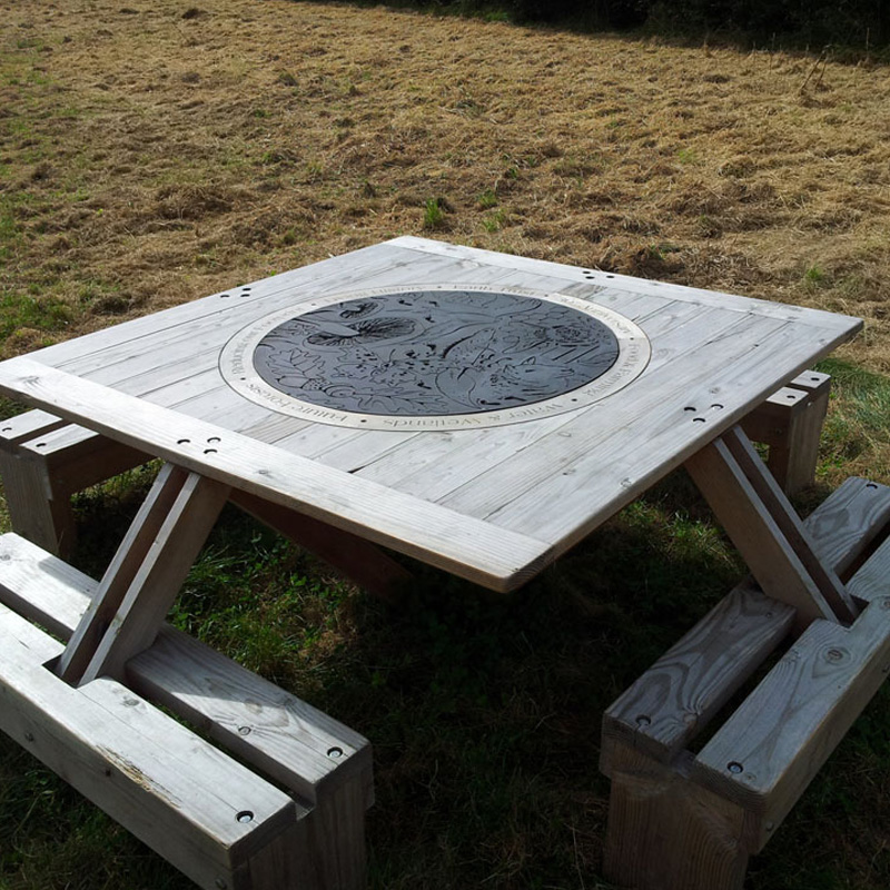 Roundel Picnic Table